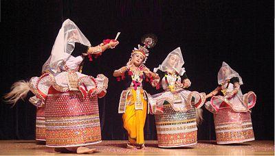 400px-Rasa_Lila_in_Manipuri_dance_style